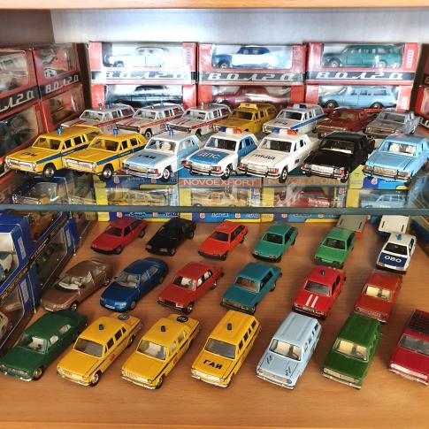 Продать масштабные модели автомобилей